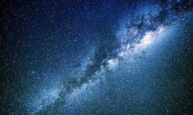 За пределами нашей галактики обнаружили необъяснимо много света