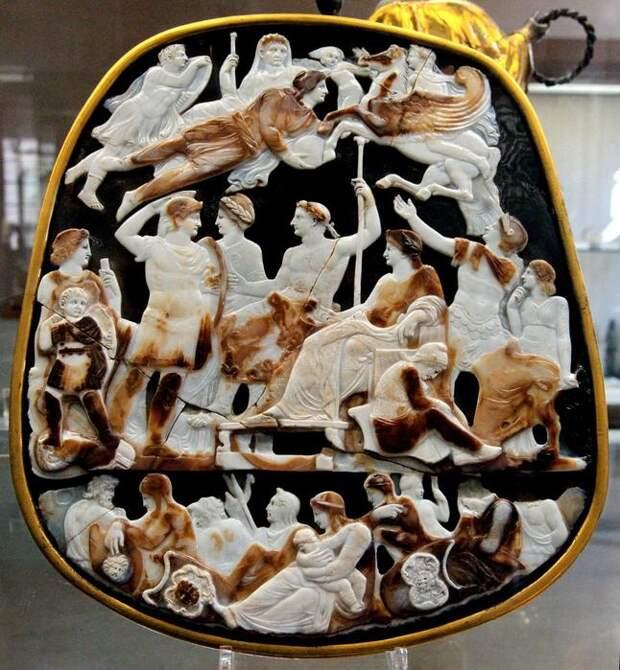 Камея Тиберия. 37 г. Национальная библиотека Франции, Кабинет медалей, Париж