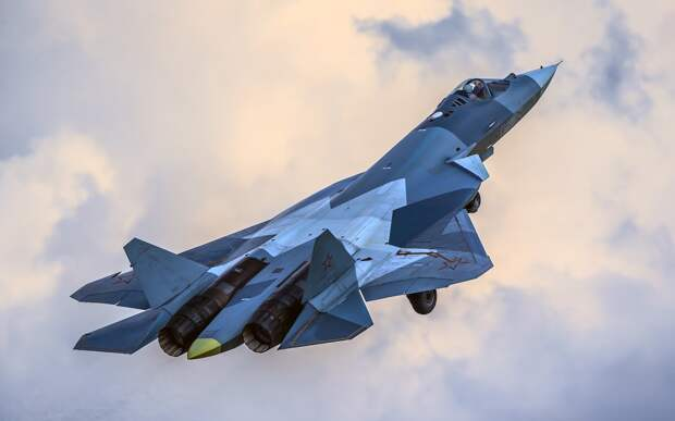 """Из-за сбоя мониторингового сервиса над Киевом """"заметили"""" истребитель Су-57"""