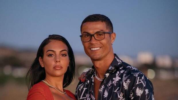 Мать Криштиану Роналду советует сыну нежениться наДжорджине Родригес