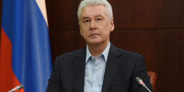 Мэра Москвы просят разрешить работу кафе на АЗС в ночное время