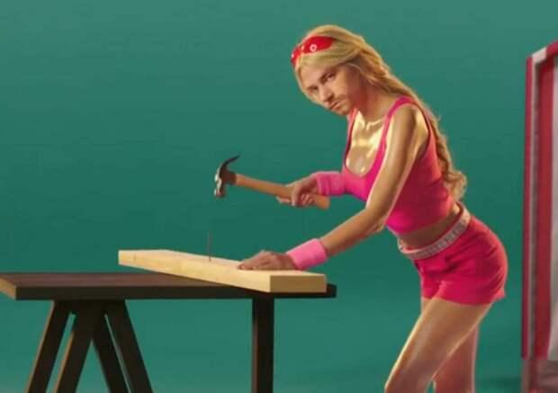 Александр Петров снялся в психоделическом рекламном ролике