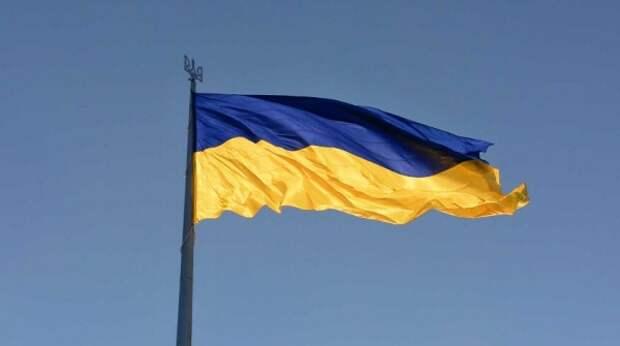 Украину нужно поделить на два округа в составе России – эксперт