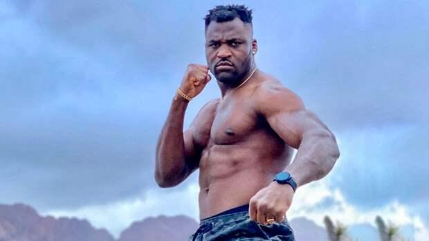 Нганну: «Готов драться с Джонсом в июле или августе»