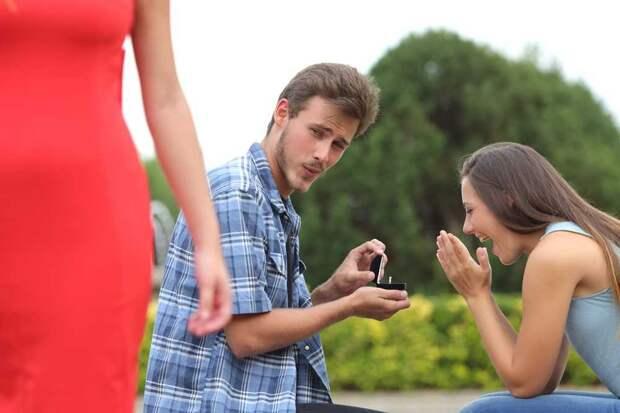 Что делать, если муж заглядывается на других женщин?