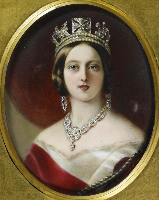 Накладные попы и другие новинки свадебной моды, которые ввела английская Королева, создавшая Викторианский стиль