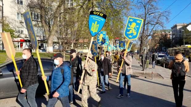 Марш нацистов в Киеве
