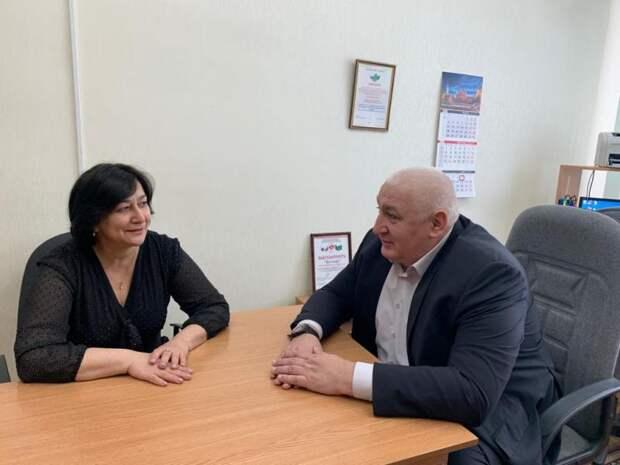 Депутат госдумы Мурат Хасанов встретился с председателем Союза женщин Республики Адыгея