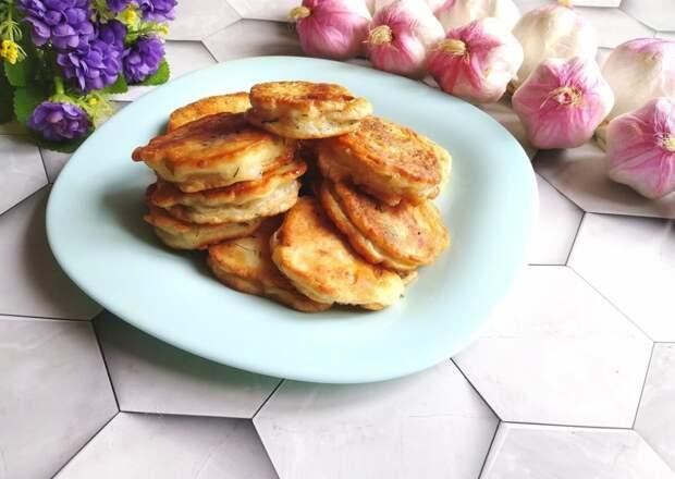 В сезон кабачков готовлю «кабачковые пирожки» почти каждый день. Все просто, но как же вкусно и нежно получается