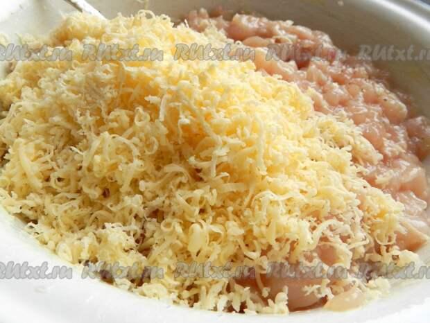 Рубленные котлеты из куриного филе с сыром