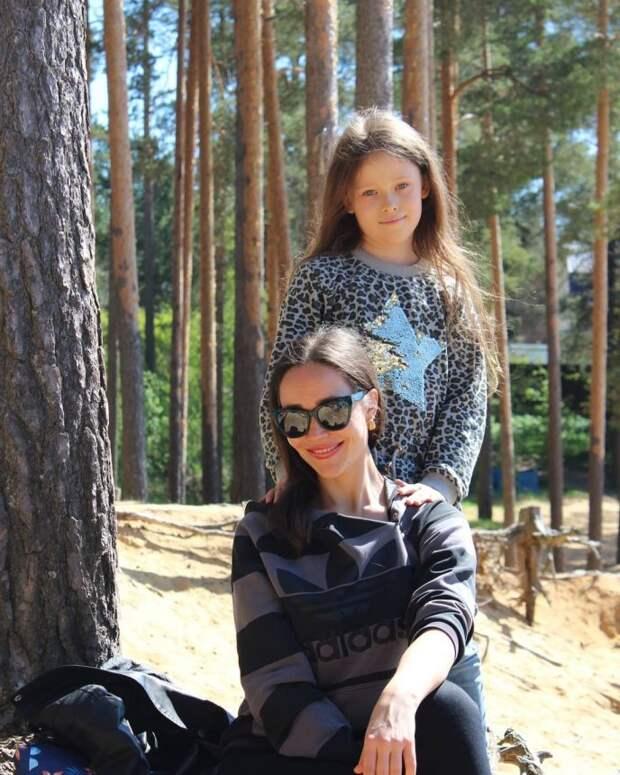 Внучка актрисы Анны Самохиной выросла бабушкиной копией, унаследовав её необычную красоту