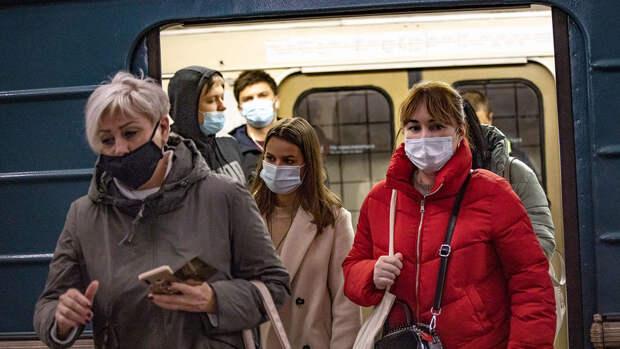За две недели москвичи нарушили масочный режим в транспорте 30 тысяч раз