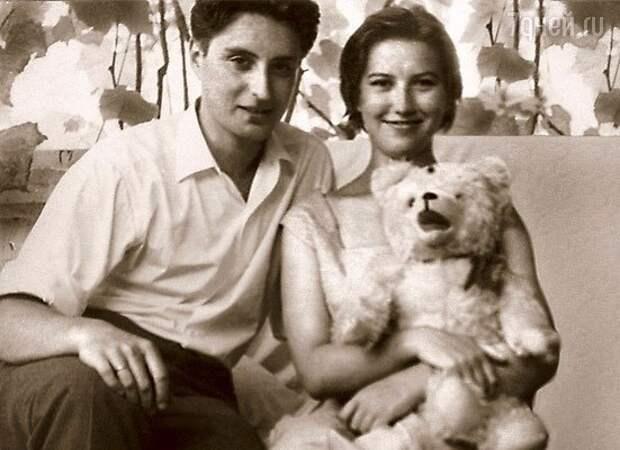 """Вениамин Смехов с первой женой Аллой (фото: """"7дней.ру"""")"""