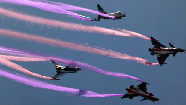 Китайские всепогодные многоцелевые истребители Чэнду J-10