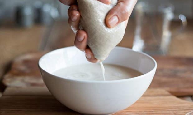 Как приготовить кокосовое молоко дома