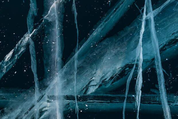 Песня льда: 20 снимков, демонстрирующих магическую красоту озера Байкал