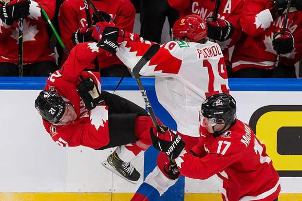 «Красная машина» сломалась. Россия проиграла Канаде в полуфинале молодежного ЧМ по хоккею