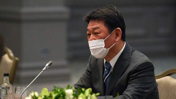 Kyodo: глава МИД Японии призвал G7 выработать единый подход к России