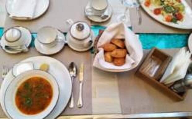 Ресторан-Музей «Жюль Верн» В Алуште: Обед в выходной