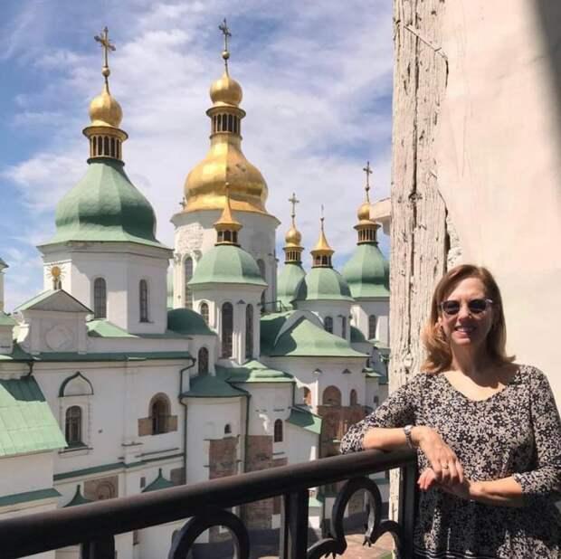 Кристина Квин из США хочет зачистить в Украине все русское