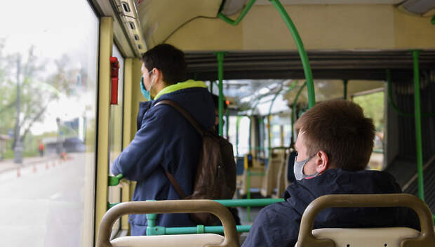 Почти все пассажиры транспорта Подмосковья надели маски в субботу утром