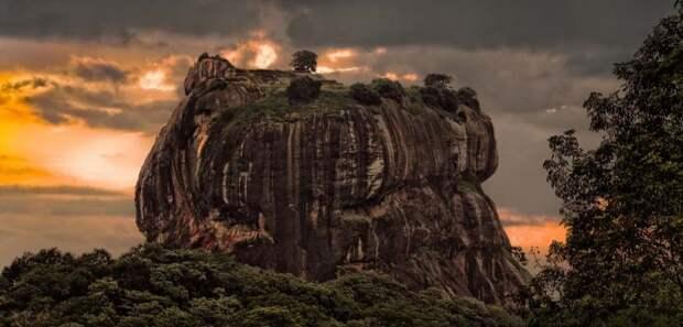 Уникальное плато Сигирия Сигирия, горы, плато, природа, скала