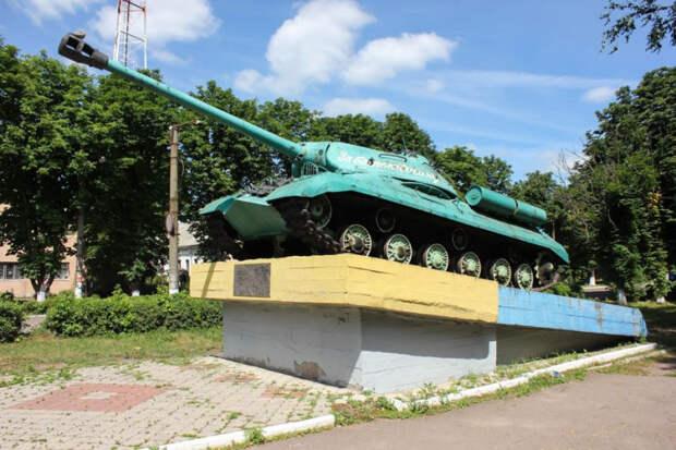 Можно ли теперь понять, за что сражалась РККА, освободившая Новомиргород от немецко-фашистских захватчиков? И кто вообще освобождал Новомиргород?
