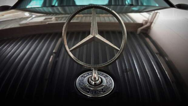 Mercedes-Benz презентовал семиместный электрокроссовер EQB
