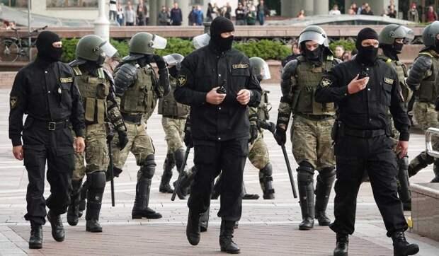 Эксперт Усов предупредил об установлении военной диктатуры в Белоруссии: Власть будет в руках силовиков