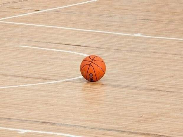 Захарова впервые сыграла в баскетбол