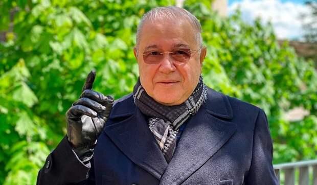 Оборвали телефон: «слившую» личные данные жену Петросяна замучили звонками