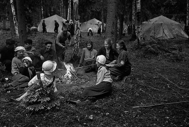 Почему советские граждане проводили свой отпуск в суровых походах? (ФОТО)