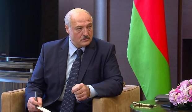 """""""Терпения вам"""": Лукашенко запугивает Путина"""