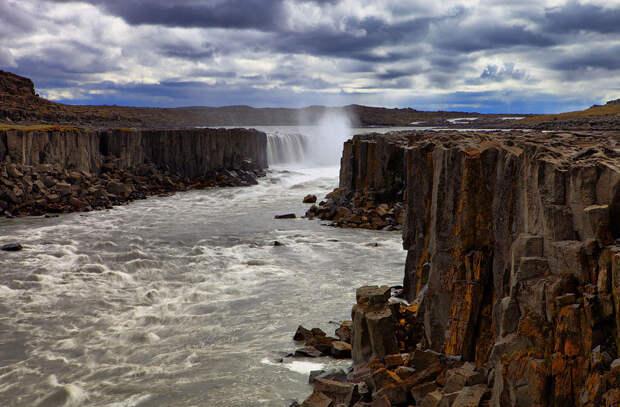 Мощь воды: исландский водопад Деттифосс