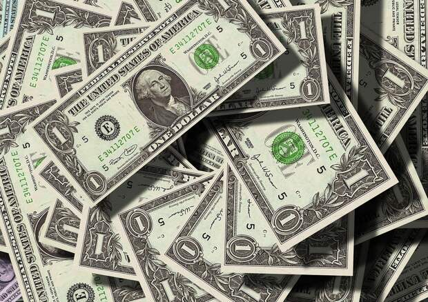 Эксперт объяснил, когда нужно избавляться от доллара
