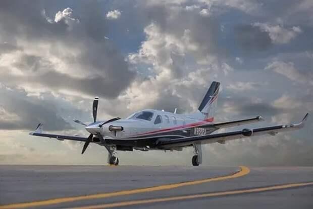 Загадочный частный самолет выполнил полет из Армении в Турцию