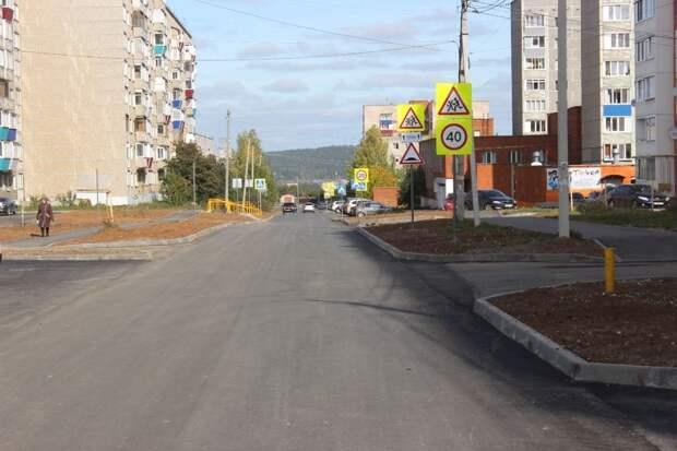 Дорожники заканчивают ремонт дороги на улице Мельникова в Сарапуле