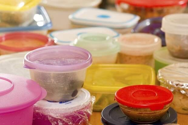 Как удалить запах из пластиковых контейнеров и досок