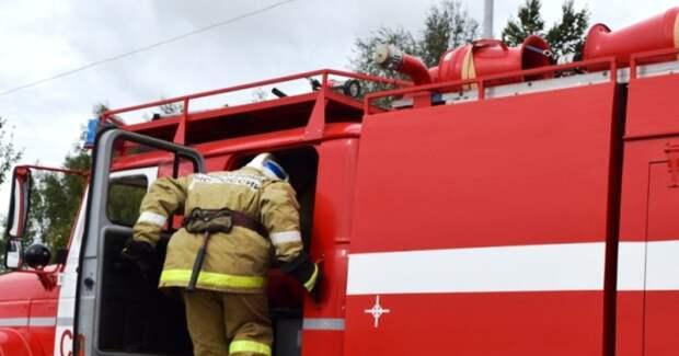 В Саратове на СТО сгорели восемь автомобилей