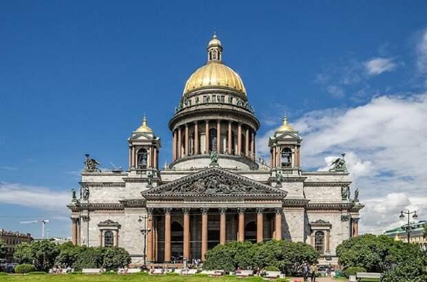 О близости к полному локдауну поспешил предупредить губернатор Санкт-Петербурга