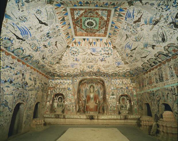"""Храмовый комплекс Дуньхуана. """"Пещера тысячи будд""""."""