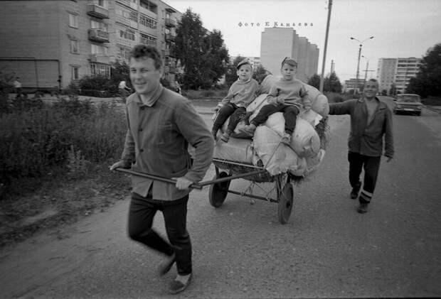 35 выразительных фото про Россию вдикие 90-е