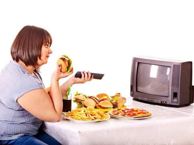 Картинки по запросу есть перед телевизором