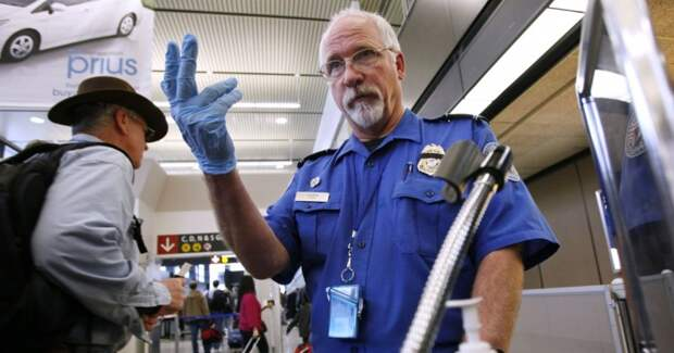Эта коллекция предметов, изъятых у авиапассажиров службой TSA сделает вашдень