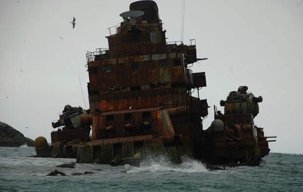 Крейсер «Мурманск» у берегов Норвегии, 2008 год.