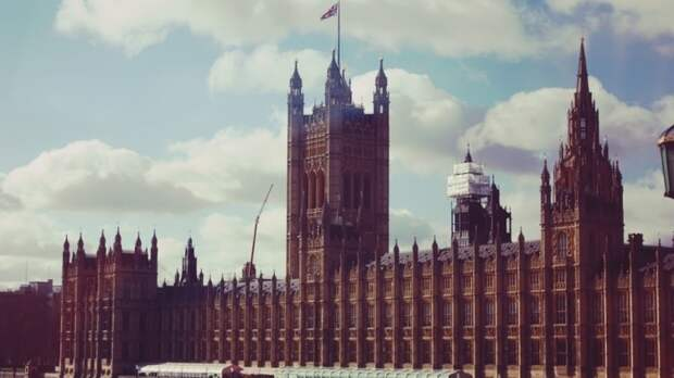 Антикоррупционный список Британии пополнили 14 граждан РФ