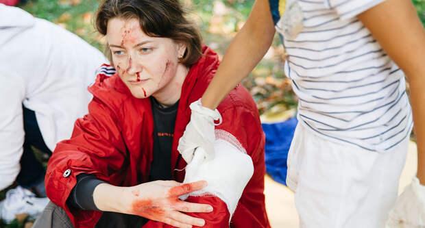 Спасти себя и пострадавшего, когда счет идет на минуты: почему нам всем нужно хоть раз пройти курсы первой помощи