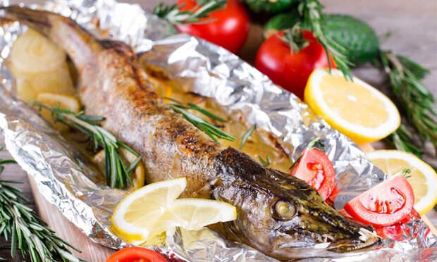 Чорба, паприкаш и щука на луковой подушке. Сербские рецепты для майских праздников