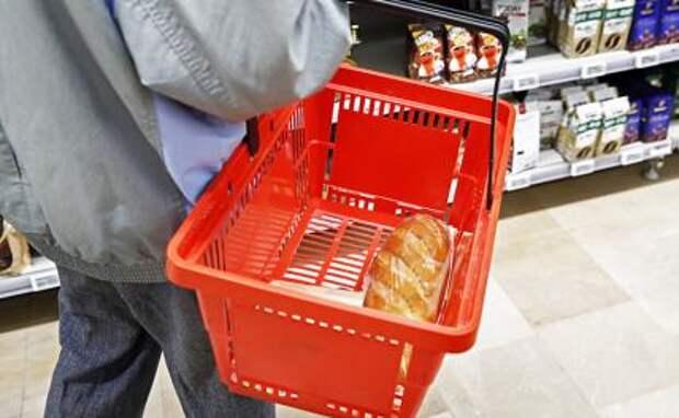 Пляски с потребительской корзиной: Россию предупредили о «колбасных бунтах»