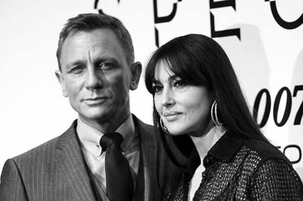 Дэниэл Крейг и Моника Беллуччи на премьере фильма *007: Спектр* в 2015 г. | Фото: psychologies.ru